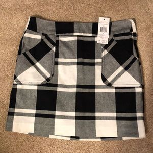 Black and white plaid skirt!